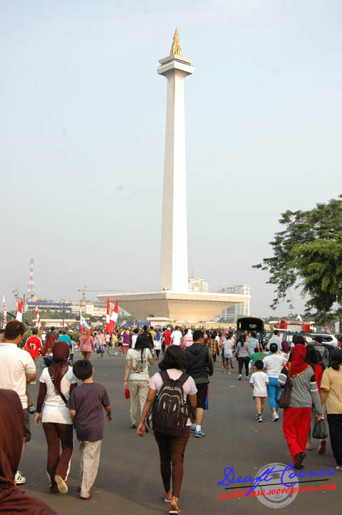 Lonjakan pengunjung yang datang untuk melihat pameran alutsista TNI di Monas