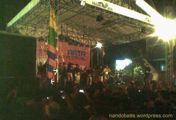 Panggung Pasar Jaya