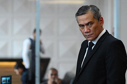Boss Bangun yang diperankan oleh Tio Pakusadewo